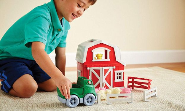 Best toy farm sets for toddlers