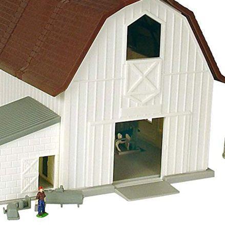 Ertl Dairy Barn, Entrance