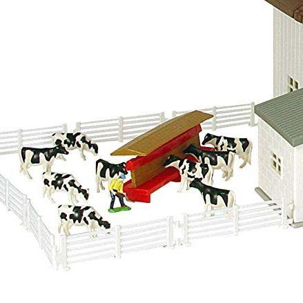 Ertl Dairy Barn, Feeding