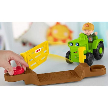 Fisher-Price DWC32 Little People Helpful Harvester Tractor, Gate
