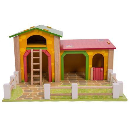 Wooden Le Barnyard, Frontview
