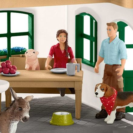 Schleich Large Farm House, Family Figures