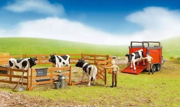Toy cattle truck and trailer